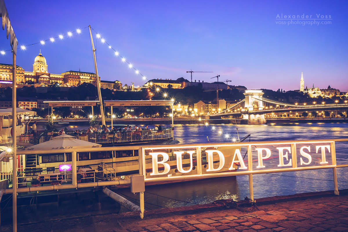 Budapest – Danube Bank / Chain Bridge